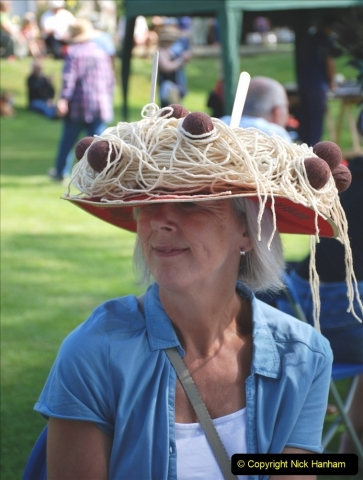 2021-09-04 Bridport Hat Festival. (75) On the Green. 075