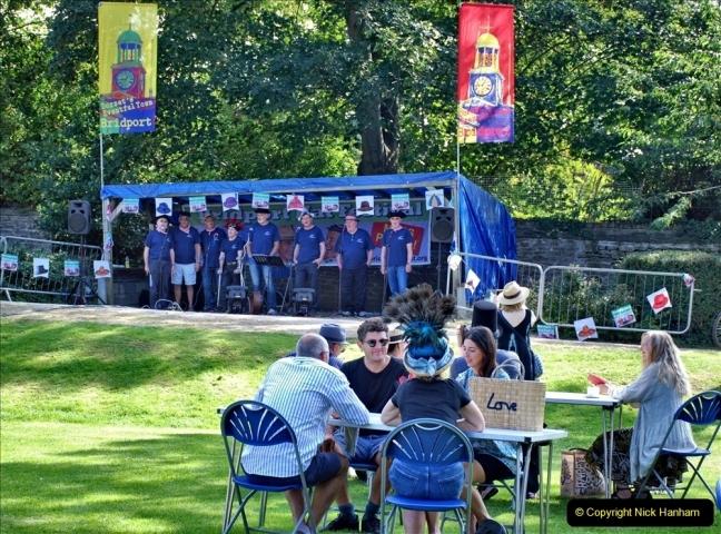 2021-09-04 Bridport Hat Festival. (84) On the Green. 084