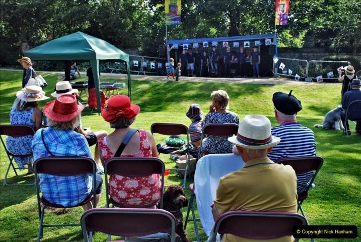 2021-09-04 Bridport Hat Festival. (85) On the Green. 085