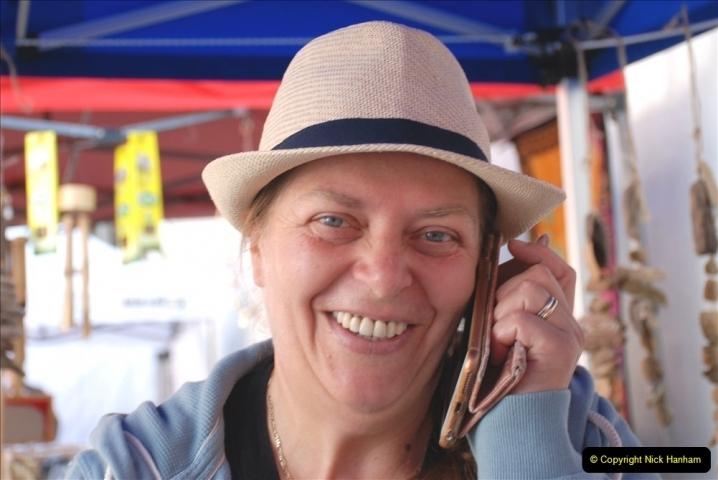 2021-09-04 Bridport Hat Festival. (9) In the town. 009