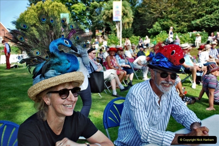 2021-09-04 Bridport Hat Festival. (90) On the Green. 090