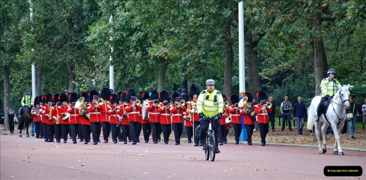 2021-09-20 Central London Break. (200) Changing the Guard at Buckingham Palace.  200