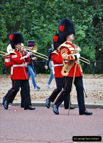 2021-09-20 Central London Break. (201) Changing the Guard at Buckingham Palace.  201