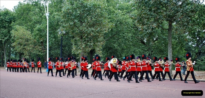 2021-09-20 Central London Break. (202) Changing the Guard at Buckingham Palace.  202