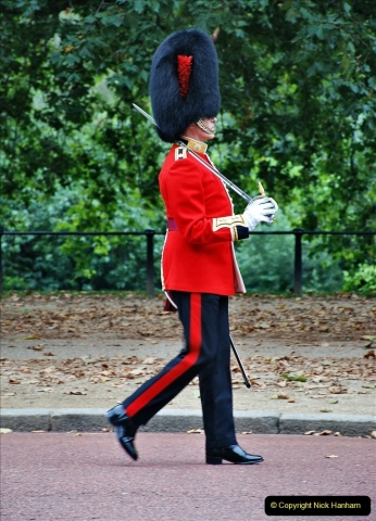 2021-09-20 Central London Break. (207) Changing the Guard at Buckingham Palace.  207