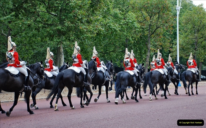 2021-09-20 Central London Break. (215) Changing the Guard at Buckingham Palace.  215