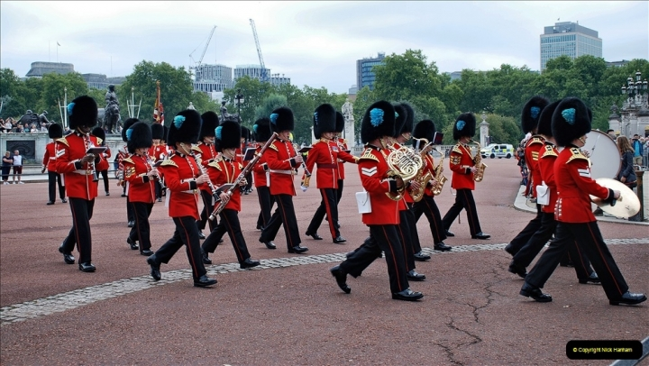 2021-09-20 Central London Break. (218) Changing the Guard at Buckingham Palace.  218