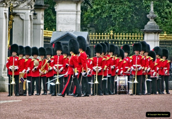 2021-09-20 Central London Break. (223) Changing the Guard at Buckingham Palace.  223