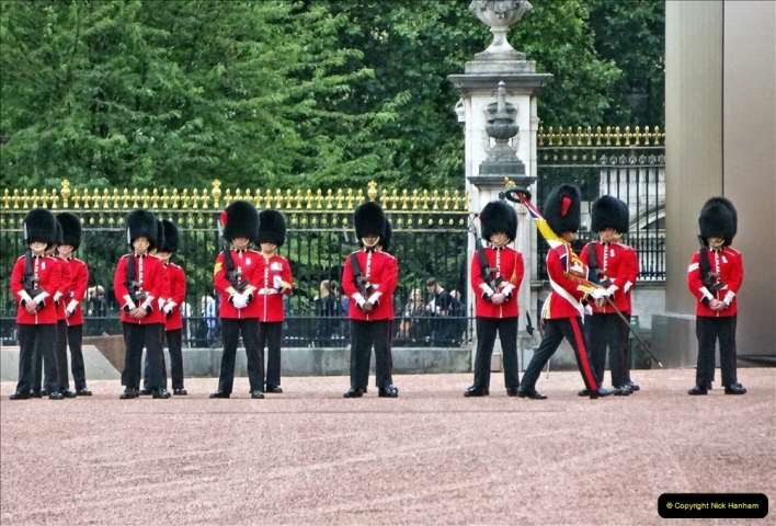 2021-09-20 Central London Break. (224) Changing the Guard at Buckingham Palace.  224