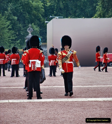 2021-09-20 Central London Break. (229) Changing the Guard at Buckingham Palace.  229