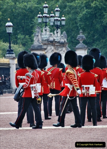 2021-09-20 Central London Break. (230) Changing the Guard at Buckingham Palace.  230