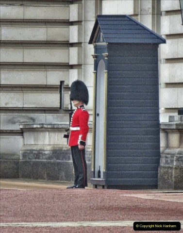 2021-09-20 Central London Break. (233) Changing the Guard at Buckingham Palace.  233