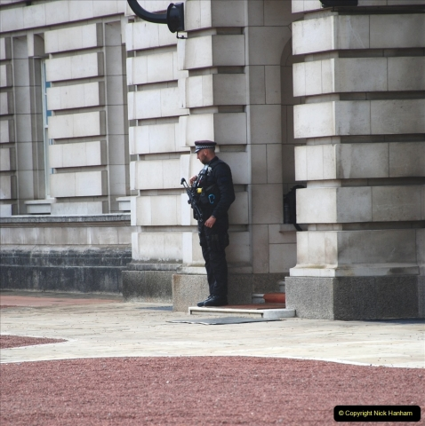 2021-09-20 Central London Break. (235) Changing the Guard at Buckingham Palace.  235