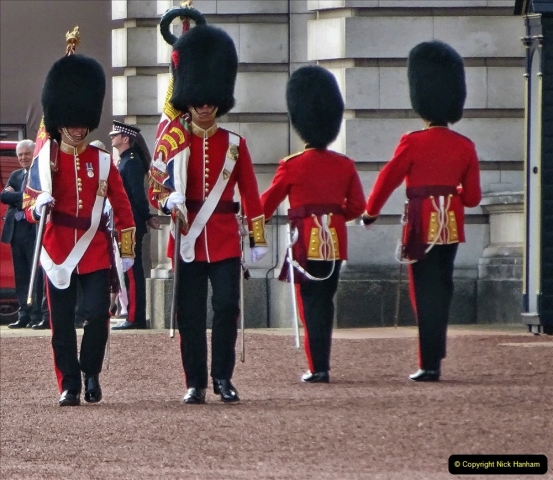 2021-09-20 Central London Break. (237) Changing the Guard at Buckingham Palace.  237