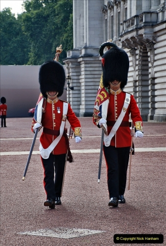 2021-09-20 Central London Break. (238) Changing the Guard at Buckingham Palace.  238