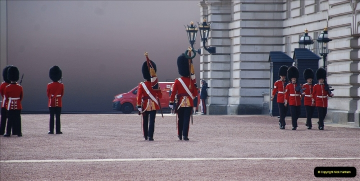 2021-09-20 Central London Break. (241) Changing the Guard at Buckingham Palace.  241