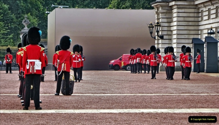 2021-09-20 Central London Break. (242) Changing the Guard at Buckingham Palace.  242