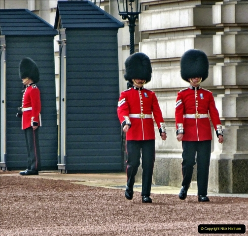 2021-09-20 Central London Break. (243) Changing the Guard at Buckingham Palace.  243