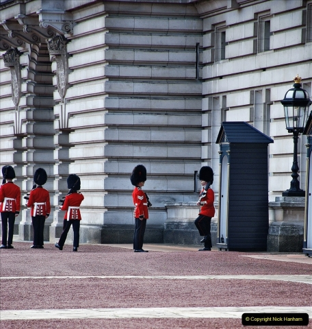 2021-09-20 Central London Break. (245) Changing the Guard at Buckingham Palace.  245