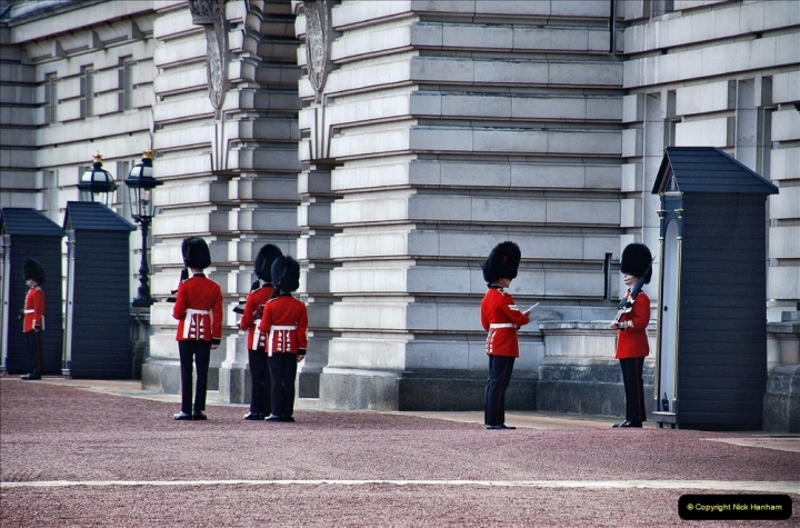 2021-09-20 Central London Break. (247) Changing the Guard at Buckingham Palace.  247