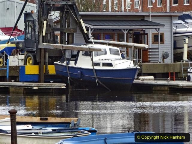 2020-12-14 At Lymington, Hampshire. (29) Boat hoist. 029