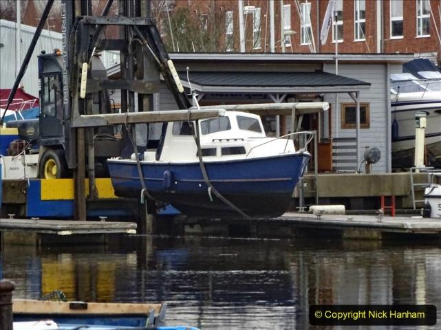 2020-12-14 At Lymington, Hampshire. (30) Boat hoist. 030
