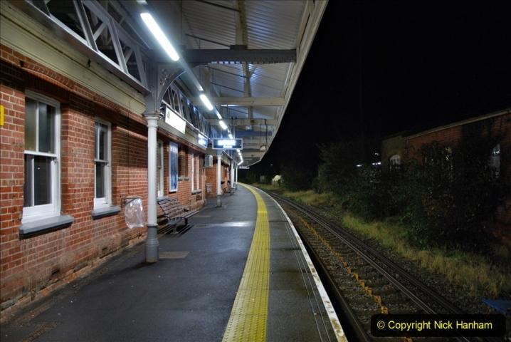 2020-12-14 Brockenhurst, Hampshire. (24) The town at night. 076