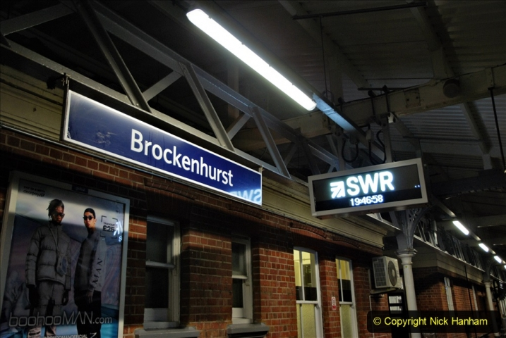 2020-12-14 Brockenhurst, Hampshire. (25) The town at night. 077