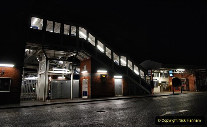 2020-12-14 Brockenhurst, Hampshire. (29) The town at night. 081