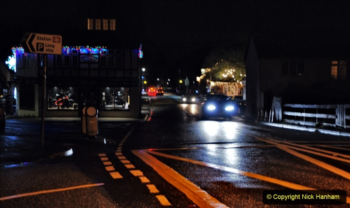 2020-12-14 Brockenhurst, Hampshire. (30) The town at night. 082