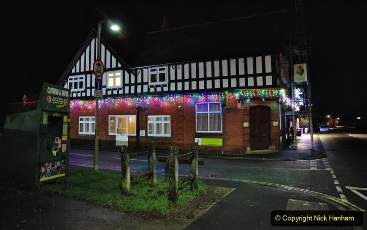 2020-12-14 Brockenhurst, Hampshire. (39) The town at night. 091