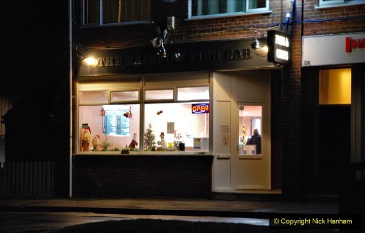 2020-12-14 Brockenhurst, Hampshire. (43) The town at night. 095