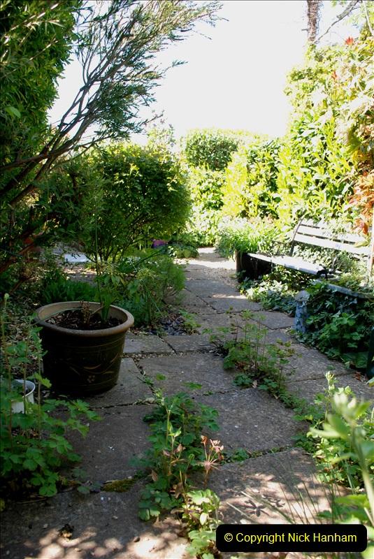 2019-04-21 A Poole Garden in Spring. (40)