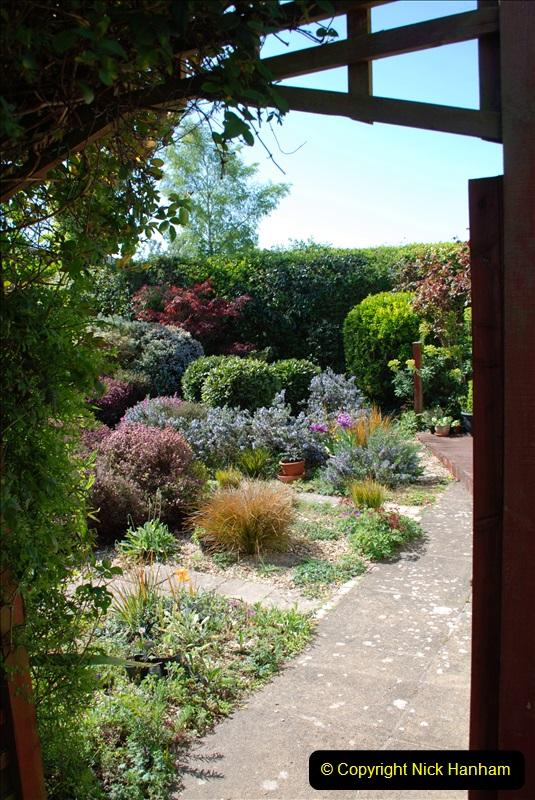 2019-04-21 A Poole Garden in Spring. (5)
