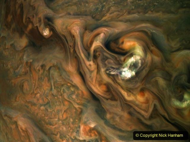 Astronomy. (17) 017