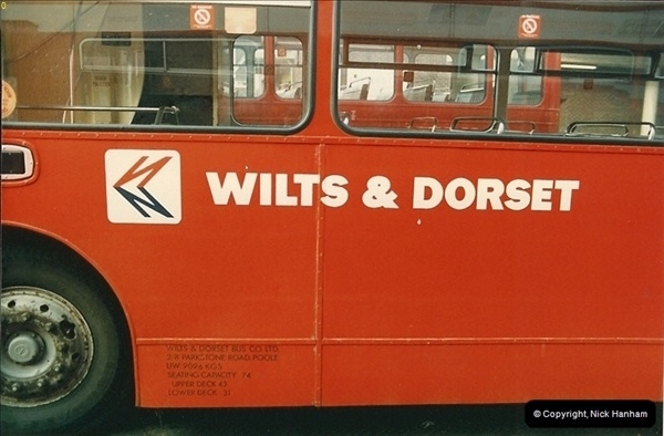 1986-11-22 Poole Depot, Poole, Dorset.  (2)099