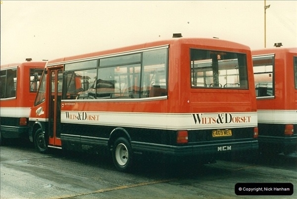 1988-01-11 Poole Depot, Poole, Dorset.  (3)129