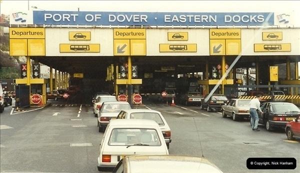 1990-02-18. Dover, Kent.  (1)142