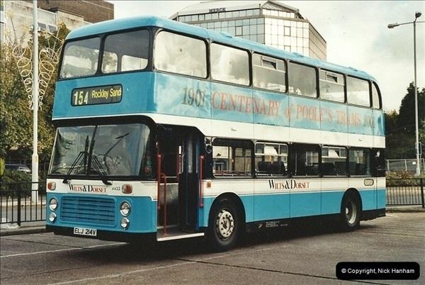 2001-10-10 Poole, Dorset.  (2)325