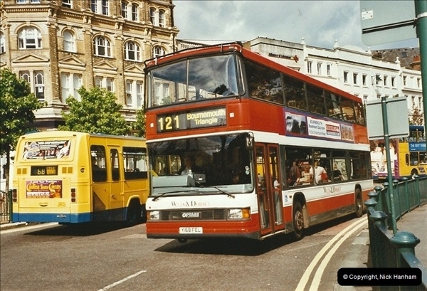 2003-08-01 Bournemouth, Dorset.  (2)359