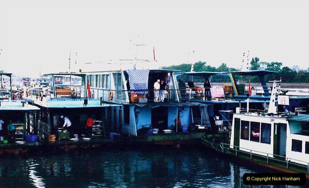 China 1993 April. (65) On the Li or Lijiang River  to Yangshuo. 065