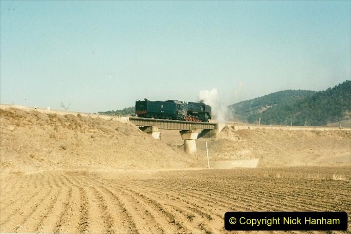 China 1997 November Number 1. (302) Various locations for linesiding near Yebaishuo. 302