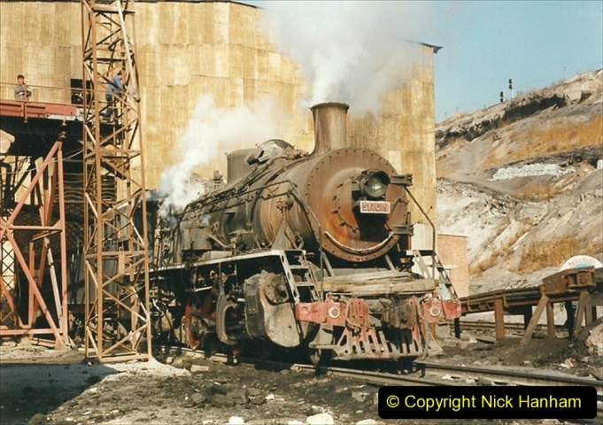China 1999 October Number 1. (117) At Jalainur Opencast Coal Mine.