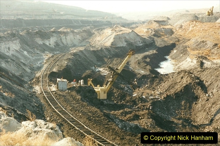 China 1999 October Number 1. (121) At Jalainur Opencast Coal Mine.