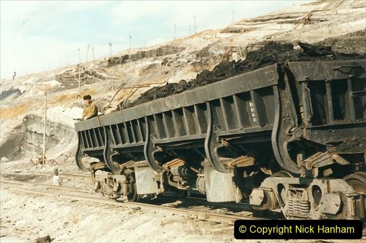 China 1999 October Number 1. (139) At Jalainur Opencast Coal Mine.