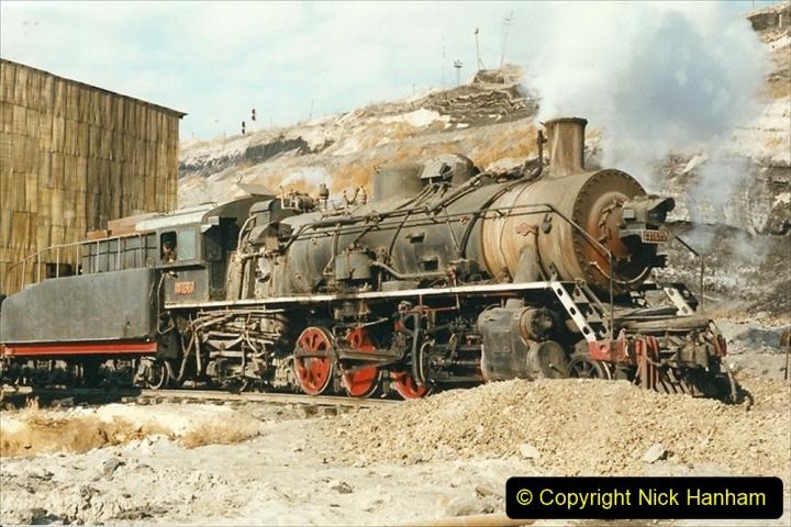 China 1999 October Number 1. (144) At Jalainur Opencast Coal Mine.