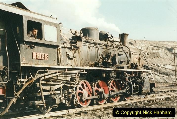 China 1999 October Number 1. (145) At Jalainur Opencast Coal Mine.