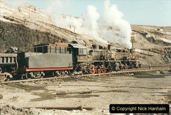 China 1999 October Number 1. (146) At Jalainur Opencast Coal Mine.