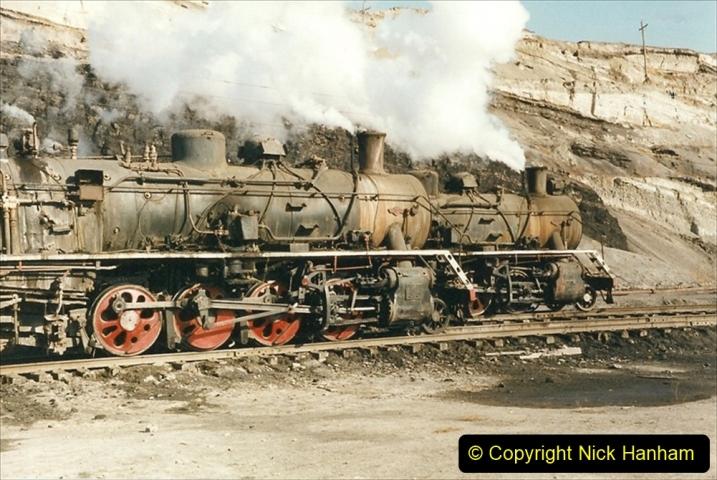 China 1999 October Number 1. (148) At Jalainur Opencast Coal Mine.