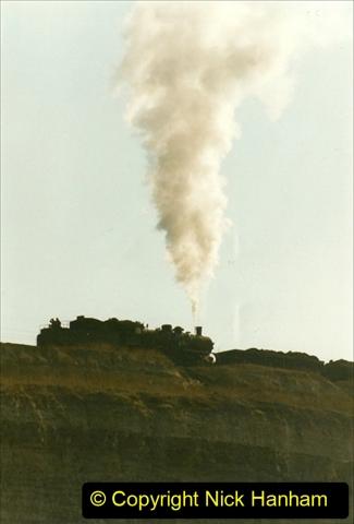 China 1999 October Number 1. (153) At Jalainur Opencast Coal Mine.